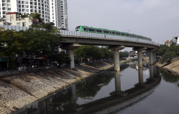 Đường sắt đô thị Cát Linh-Hà Đông có chiều dài tuyến đi trên cao là 13,5km (từ Cát Linh đi Hà Đông) 12 nhà ga trên cao. (Ảnh: Huy Hùng/TTXVN)
