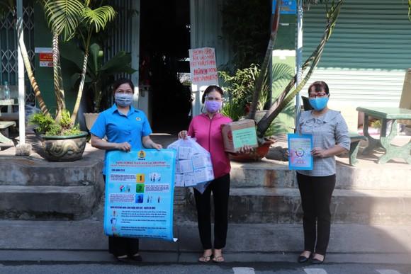Chung tay hỗ trợ, chăm lo công nhân lao động quận Bình Tân ảnh 1