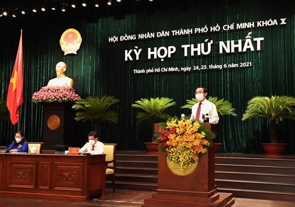 Đại biểu HĐND TPHCM trong kỳ họp thứ nhất khóa X nhiệm kỳ 2021-2026 ảnh 1