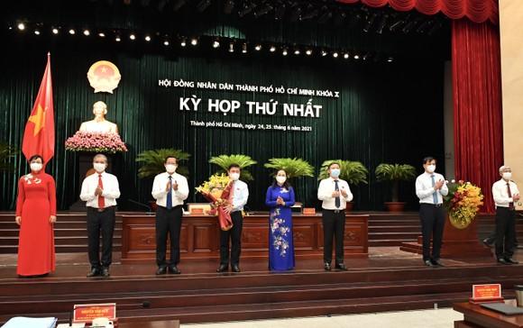 Đại biểu HĐND TPHCM trong kỳ họp thứ nhất khóa X nhiệm kỳ 2021-2026 ảnh 16