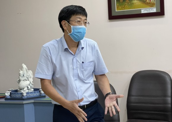 Bí thư Thành ủy TPHCM kiểm tra đột xuất việc phòng chống dịch Covid-19 ở chợ Bình Điền ảnh 3
