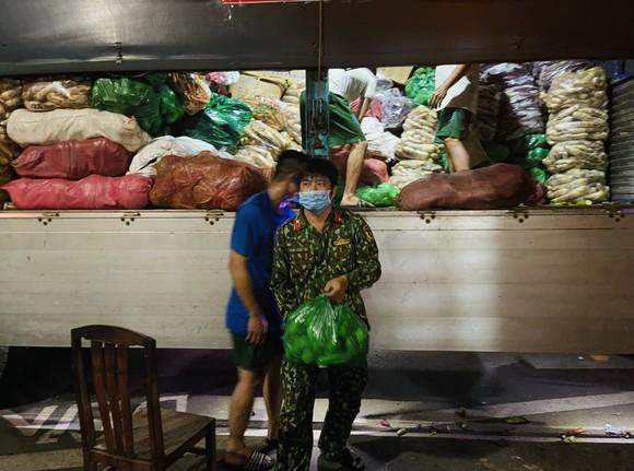 Chuyến xe yêu thương từ Lâm Đồng vào TPHCM chở 20 tấn rau củ ảnh 2