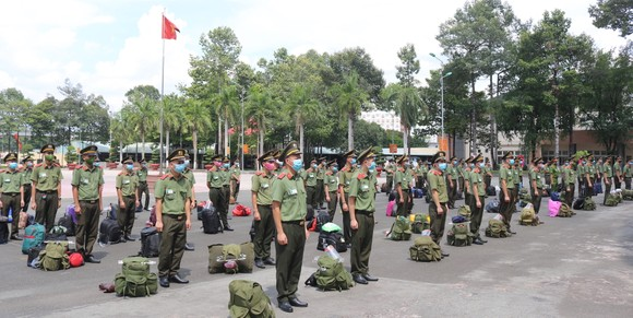 Tăng cường 250 học viên an ninh nhân dân chi viện tỉnh Bình Dương, Long An chống dịch ảnh 1
