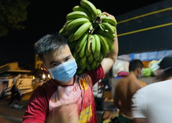 Chuyến xe yêu thương từ Lâm Đồng vào TPHCM chở 20 tấn rau củ ảnh 4