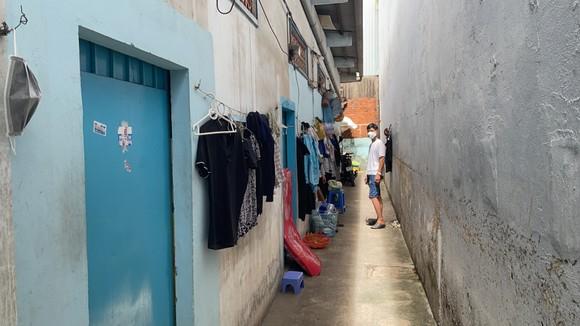 Bí thư Thành ủy TPHCM Nguyễn Văn Nên thăm, động viên người dân ở trọ phải giãn cách ảnh 6