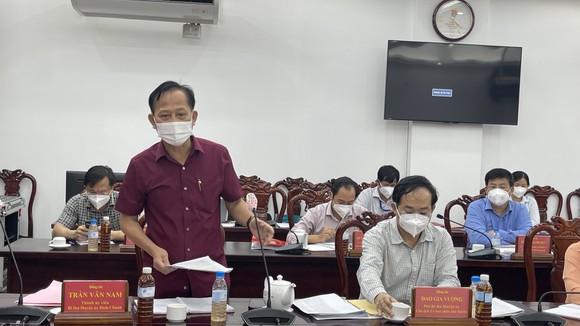 Bí thư Thành ủy TPHCM Nguyễn Văn Nên đi thăm, động viên F0 trong bệnh viện dã chiến ảnh 7