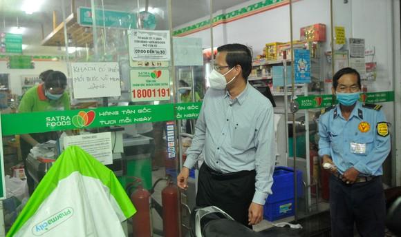 Phó Bí thư Thường trực Thành ủy TPHCM Phan Văn Mãi: Xây dựng cộng đồng an toàn và không Covid-19 ảnh 5