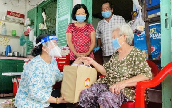 Chủ tịch HĐND TPHCM Nguyễn Thị Lệ: Các địa phương giãn cách triệt để, không để lây lan mới ảnh 2
