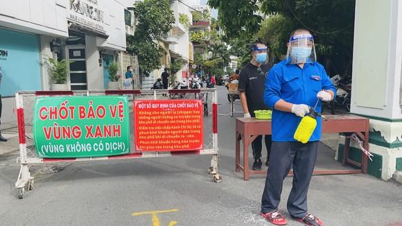Chủ tịch HĐND TPHCM Nguyễn Thị Lệ: Các địa phương giãn cách triệt để, không để lây lan mới ảnh 8