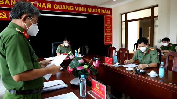 Giám đốc Công an TPHCM yêu cầu cán bộ chiến sĩ phải giữ vững 'vùng xanh' ảnh 1