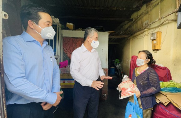 Phó Chủ tịch UBND TPHCM Ngô Minh Châu: TPHCM không để bà con thiếu ăn, thiếu mặc do dịch Covid-19 ảnh 4