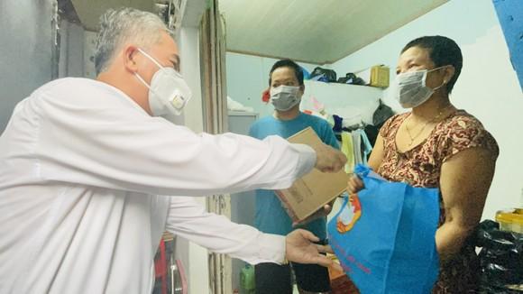 Phó Chủ tịch UBND TPHCM Ngô Minh Châu: TPHCM không để bà con thiếu ăn, thiếu mặc do dịch Covid-19 ảnh 2
