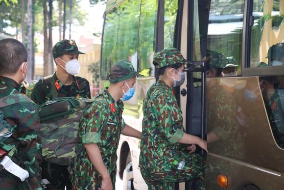 Bộ Tư lệnh TPHCM thành lập 310 tổ công tác xuất quân hỗ trợ cung cấp lương thực cho người dân ảnh 7