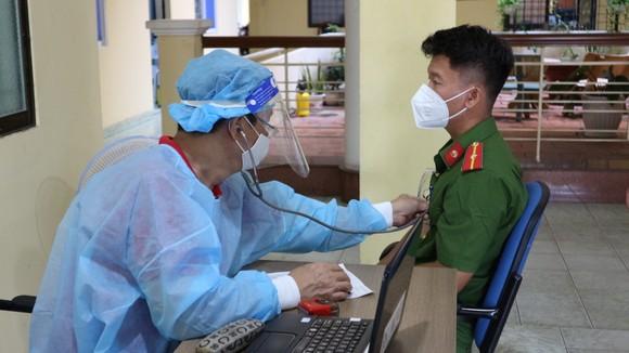 Công an quận Phú Nhuận hiến máu trong mùa dịch Covid-19 ảnh 2