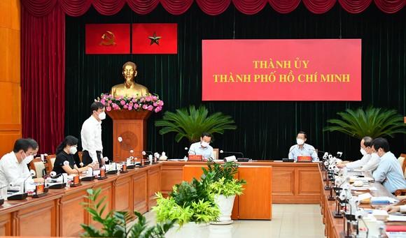 Bí thư Thành ủy TPHCM Nguyễn Văn Nên: Phải bám cơ sở, bám địa bàn, bám pháo đài để chống dịch ảnh 1