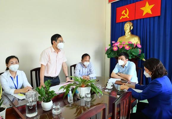 Phó Chủ tịch UBND TPHCM Lê Hòa Bình: Hành động phải kịp thời hơn, quyết liệt hơn trong chống dịch Covid-19 ảnh 4