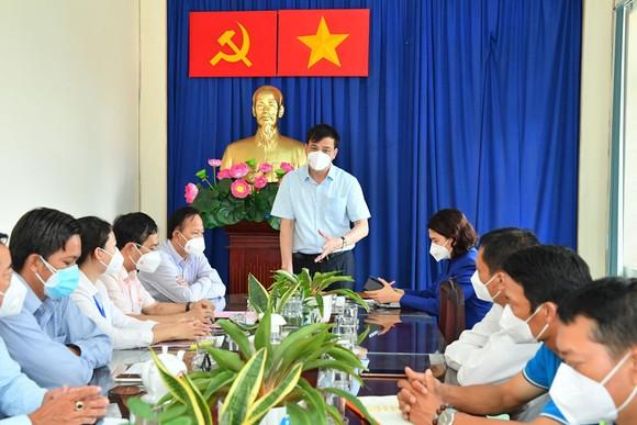 Phó Chủ tịch UBND TPHCM Lê Hòa Bình: Hành động phải kịp thời hơn, quyết liệt hơn trong chống dịch Covid-19 ảnh 2