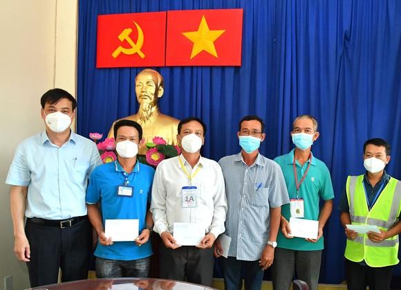 Phó Chủ tịch UBND TPHCM Lê Hòa Bình: Hành động phải kịp thời hơn, quyết liệt hơn trong chống dịch Covid-19 ảnh 3