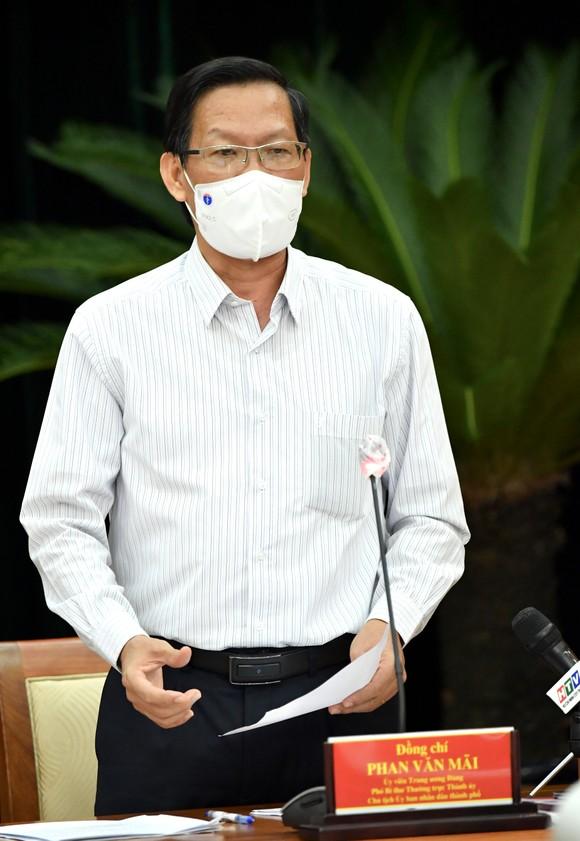 Chủ tịch UBND TPHCM Phan Văn Mãi: Nghiên cứu có 'thẻ xanh' vaccine để người dân đi lại ảnh 2