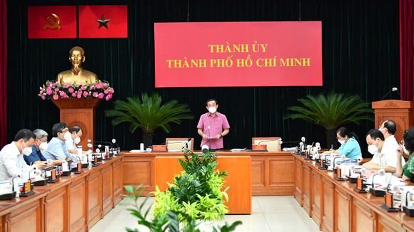 Bí thư Thành ủy TPHCM Nguyễn Văn Nên: Tuyệt đối không được mở lại các hoạt động khi chưa có kế hoạch an toàn ảnh 1