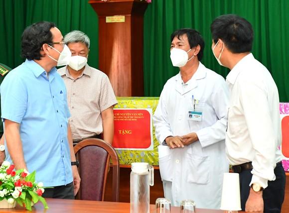 Huyện Cần Giờ xây dựng, củng cố lại hệ thống y tế cơ sở chuẩn bị cho 'bình thường mới' ảnh 4