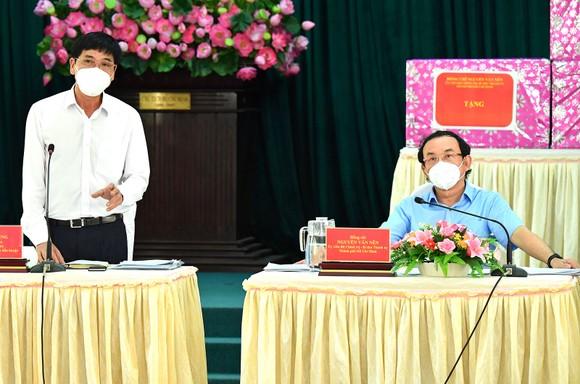 Bí thư Thành ủy TPHCM Nguyễn Văn Nên: Vừa đảm bảo chống dịch, vừa đảm bảo 'sức khỏe' nền kinh tế ảnh 4