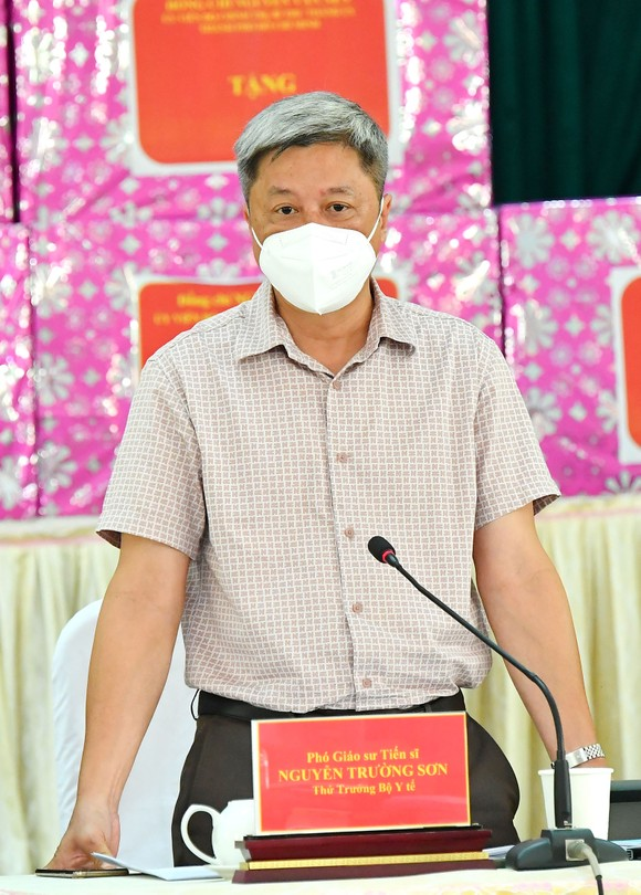 Bí thư Thành ủy TPHCM Nguyễn Văn Nên: Vừa đảm bảo chống dịch, vừa đảm bảo 'sức khỏe' nền kinh tế ảnh 3