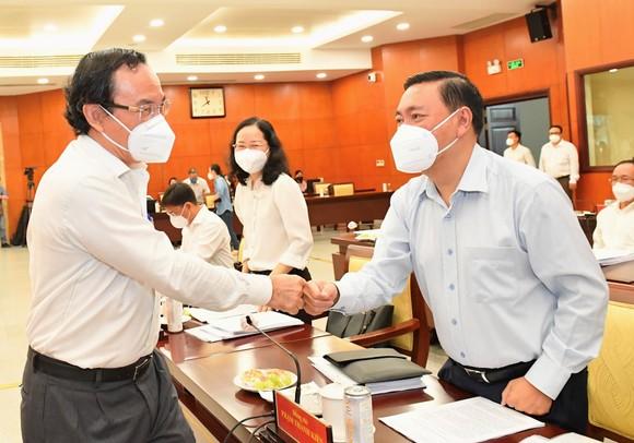 Hội nghị BCH Đảng bộ TPHCM khóa XI lần 9 mở rộng: Bí thư Thành ủy TPHCM Nguyễn Văn Nên gợi mở nhiều vấn đề trọng tâm ảnh 4
