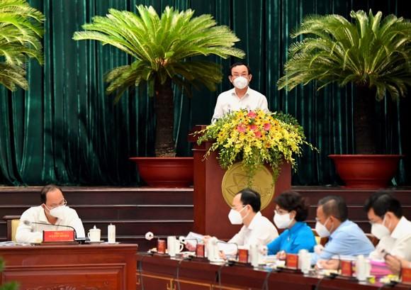 Hội nghị BCH Đảng bộ TPHCM khóa XI lần 9 mở rộng: Bí thư Thành ủy TPHCM Nguyễn Văn Nên gợi mở nhiều vấn đề trọng tâm ảnh 3