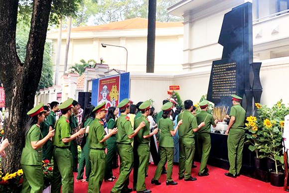Khánh thành Bia Tưởng niệm chiến sĩ biệt động Sài Gòn hy sinh Tết Mậu Thân 1968 ảnh 2