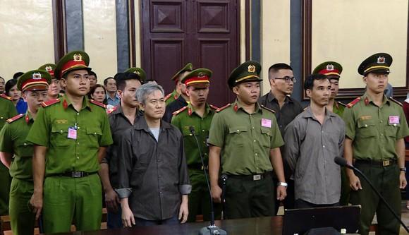 """Nhóm hoạt động nhằm """"lật đổ chính quyền"""" lãnh án nặng ảnh 1"""