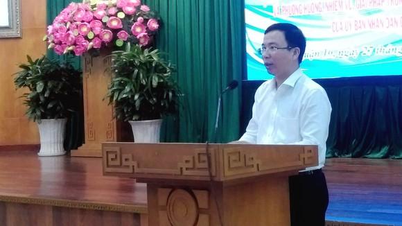 Bí thư Quận ủy quận 10 Đặng Quốc Toàn phát biểu tại hội nghị