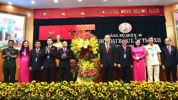 Bí thư Thành ủy TPHCM Nguyễn Thiện Nhân: Các ngành dịch vụ của quận 10 cần chuyển hướng phục vụ ảnh 3
