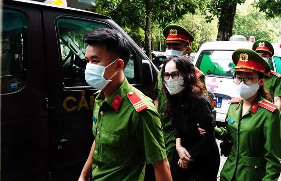Hôm nay 16-9, nguyên Phó Chủ tịch UBND TPHCM Nguyễn Thành Tài ra tòa ảnh 1