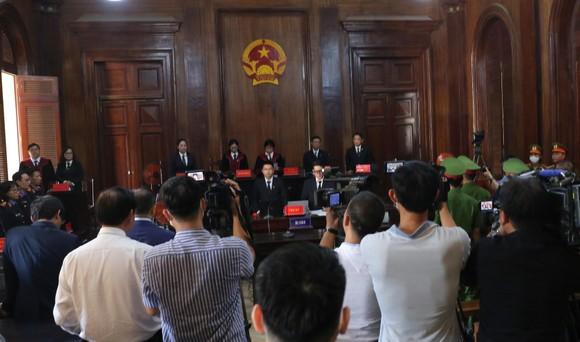 Hôm nay 16-9, nguyên Phó Chủ tịch UBND TPHCM Nguyễn Thành Tài ra tòa ảnh 3