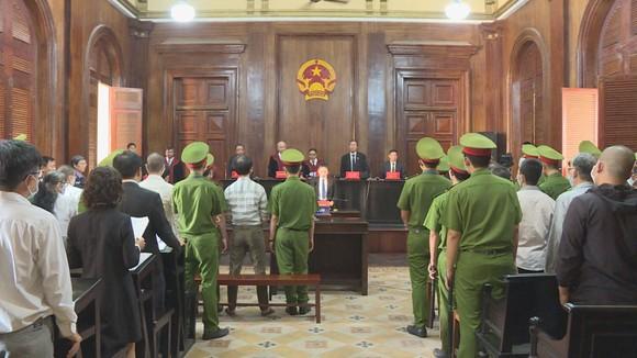 Phiên tòa xét xử bị cáo Nguyễn Khanh và đồng phạm sáng nay 21-9