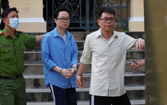 Cựu Phó Chánh án TAND quận 4 bị đề nghị từ 18-24 tháng tù ảnh 2