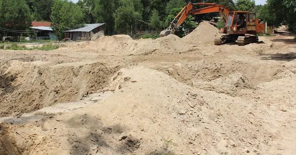 Chống đầu cơ, lũng đoạn thị trường cát xây dựng ảnh 1