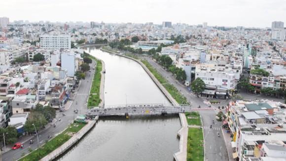 Khi dự án vệ sinh môi trường TP, giai đoạn 2 hoàn thành sẽ thu gom, xử lý toàn bộ nước thải ở lưu vực kênh Nhiêu Lộc - Thi Nghè, giúp kênh này trong xanh hơn.
