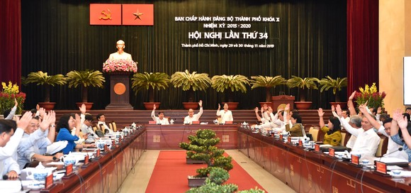 Bí thư Thành ủy TPHCM Nguyễn Thiện Nhân: TPHCM thu ngân sách bằng 55 tỉnh ảnh 1