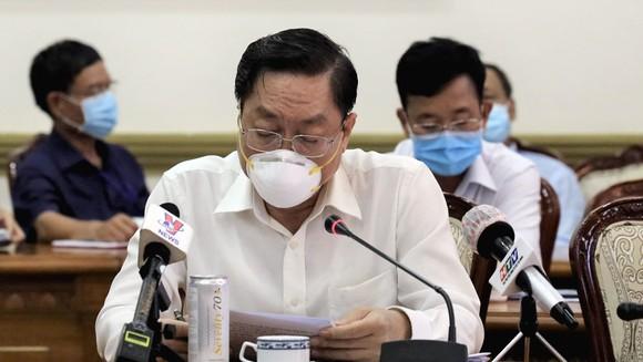 Bí thư Thành ủy TPHCM Nguyễn Thiện Nhân: Bớt thu nhập của cán bộ để hỗ trợ công nhân mất việc ảnh 1