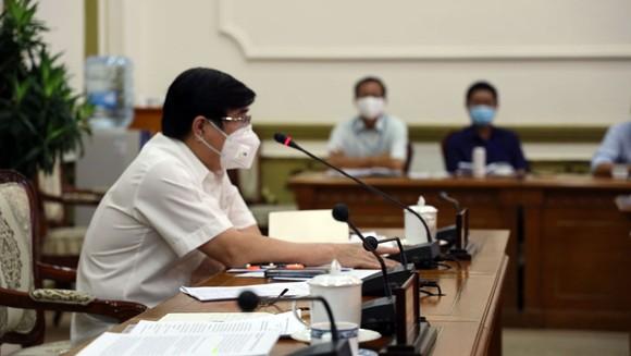 Bí thư Thành ủy TPHCM Nguyễn Thiện Nhân: Bớt thu nhập của cán bộ để hỗ trợ công nhân mất việc ảnh 2