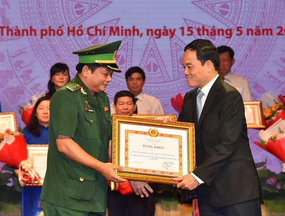 Bí thư Thành ủy TPHCM: Đoàn kết, sáng tạo, bản lĩnh xây dựng TPHCM xứng đáng là thành phố anh hùng ảnh 4
