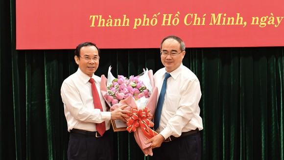 Bộ Chính trị giới thiệu đồng chí Nguyễn Văn Nên để bầu làm Bí thư Thành ủy TPHCM nhiệm kỳ 2020-2025 ảnh 2