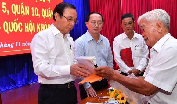 Bí thư Thành ủy TPHCM Nguyễn Văn Nên tiếp xúc cử tri ảnh 1