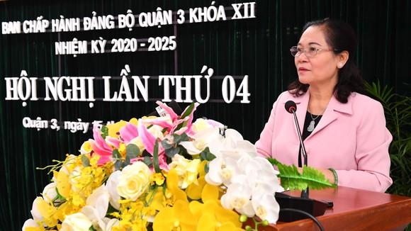 Chủ tịch HĐND TPHCM Nguyễn Thị Lệ phát biểu tại Hội nghị BCH Đảng bộ quận 3. Ảnh: VIỆT DŨNG