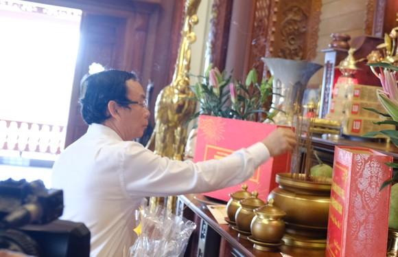 Bí thư Thành ủy TPHCM Nguyễn Văn Nên thăm, chúc tết người nghèo, lao động khó khăn ảnh 5