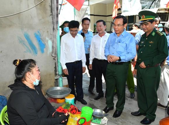 Bí thư Thành ủy TPHCM Nguyễn Văn Nên khảo sát thực tế tại huyện Cần Giờ ảnh 3