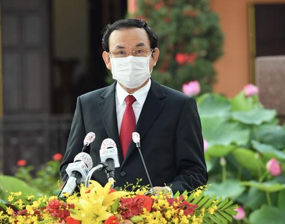 Lãnh đạo TPHCM dâng hương, dâng hoa Chủ tịch Hồ Chí Minh, Chủ tịch Tôn Đức Thắng ảnh 1