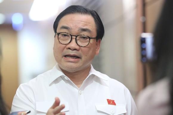 Bí thư Thành ủy Hà Nội Hoàng Trung Hải trả lời phỏng vấn sáng nay (21-5)